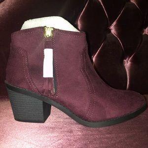 Brand new burgundy western heeled booties